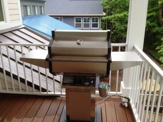 Holland house photo - Gas Grill - Upper Level Covered Balcony
