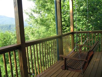 Gatlinburg rental cabin Porch Swing and Smoky Mountain views