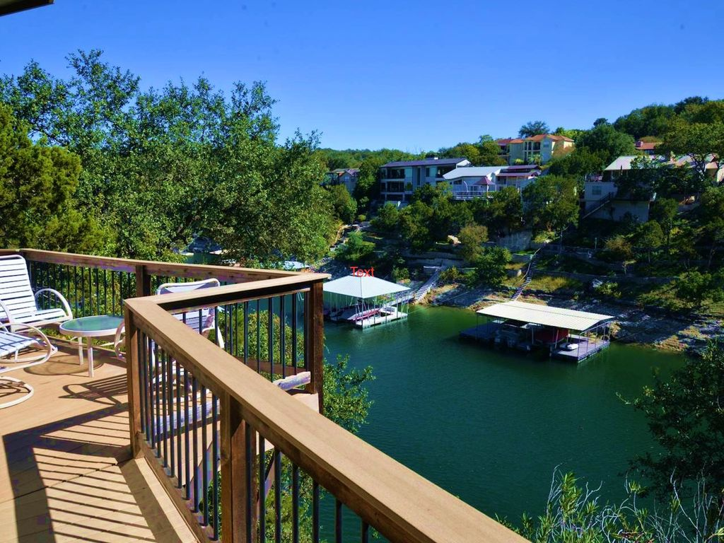 Treehouse on Lake Travis in a cozy cove, Great View, newly remodeled #7