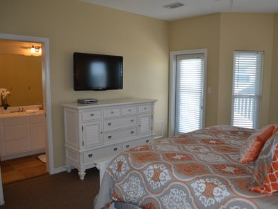 Galveston house rental - Master Bedroom, large space and flat screen tv