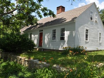 Mystic house rental - 1780s Cape