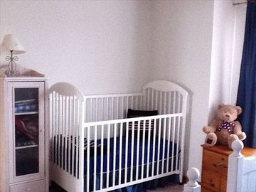 Upstairs Bedroom-crib