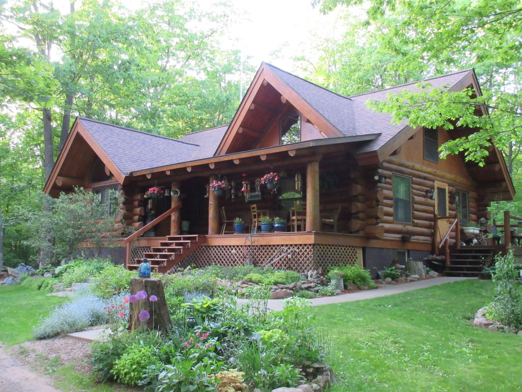 Beautiful authentic log cabin home complete vrbo for Vrbo wisconsin cabins