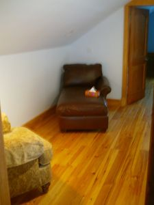 Cheticamp cottage rental - sitting/reading area on 2nd floor landing