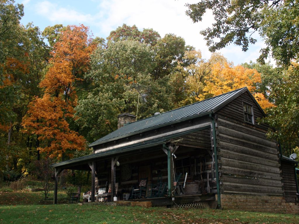 Cabin in the woods bourbon trail vrbo for Kentucky cabins rentals