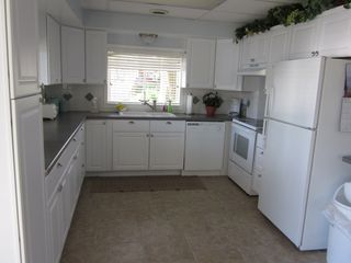 Harrison house photo - Newly Updated Bright Clean and Roomy Kitchen