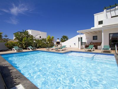 Modern Spacious Villa With Private Heated Pool, Integrated Paddling Pool & Wifi