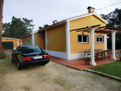 Colares villa rental - Garden and Parking Area