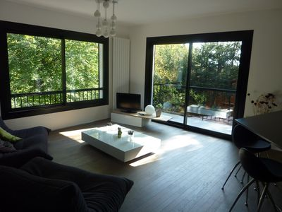 Apartment 10 minutes walk from Lake Annecy in the woods