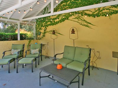 Shared Enclosed Patio Area w/BBQ