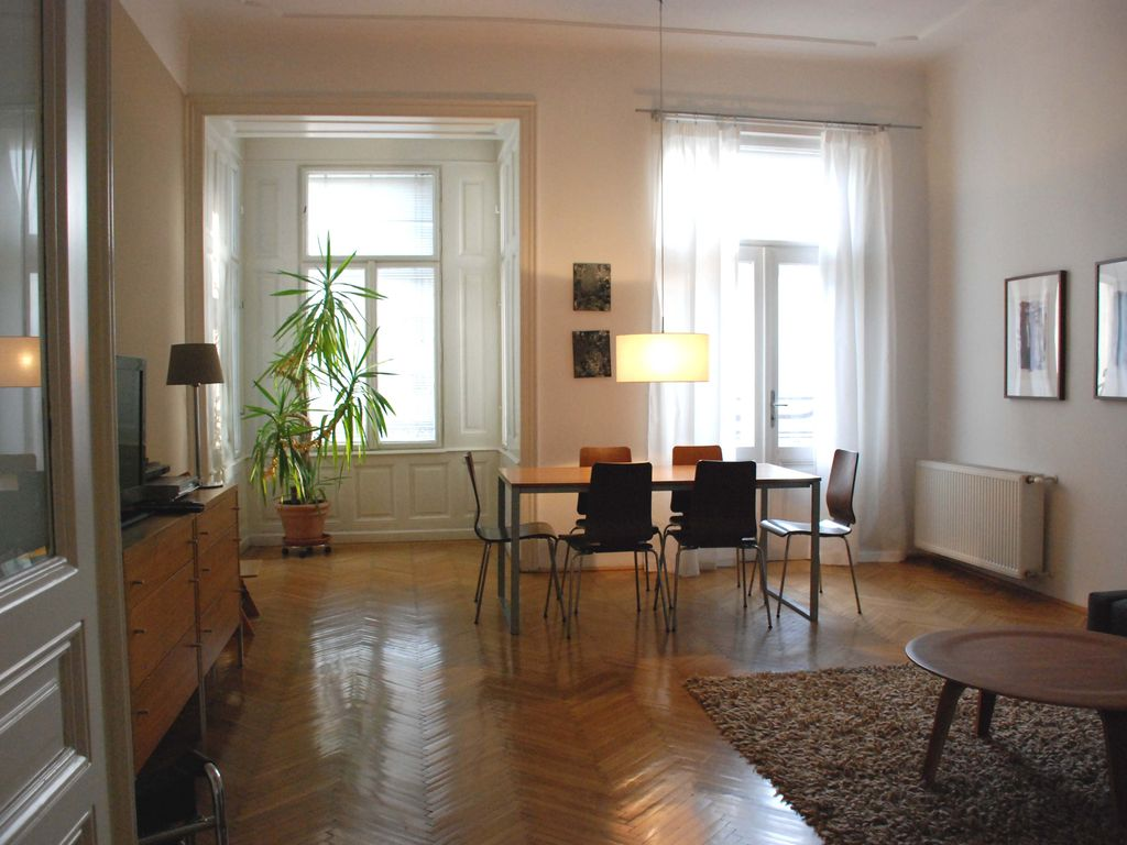 Accommodation near the beach, 100 square meters, , Kaisermühlen, Vienna