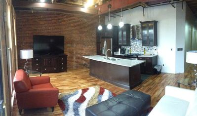Private Loft, 3rd Avenue DOWNTOWN, Steps From Everything!
