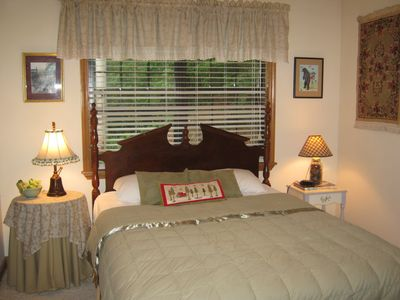 Bryson City cabin rental - Queen bed ... sleep tight!