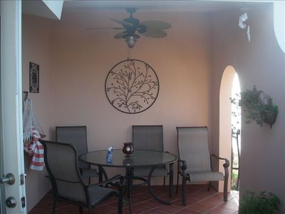 Rincon condo rental - outdoor covered eating area