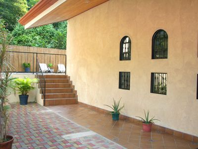 Manuel Antonio house rental - Entry & pool access.