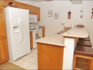 Steamboat Springs condo photo - Fully Equipped Updated Kitchen with Granite Counters & New Appliances.