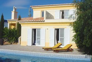 Beautiful private villa with pool in residential area