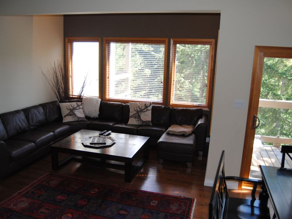 Whistler cay heights vacation rental vrbo 479863 5 br for Living room north end