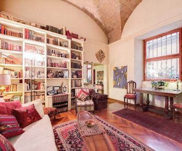 ***S.PETER S.Angel Castle ***Stylish Elegant Lovely two Level APT