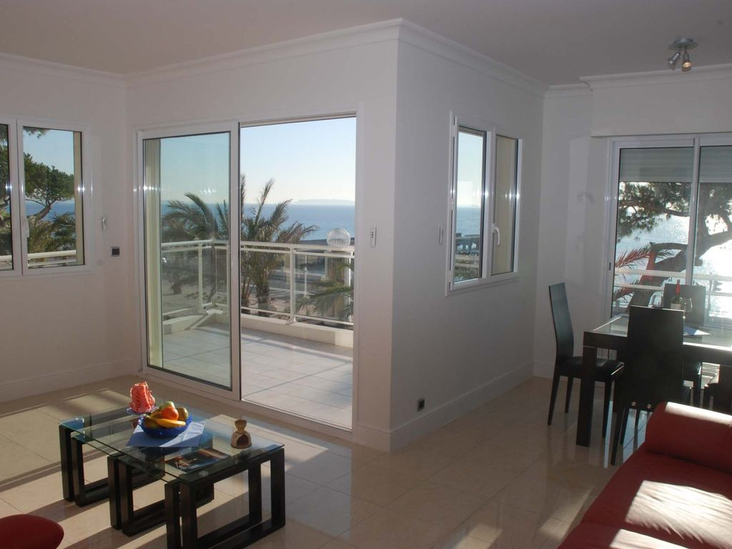 Luxury apartment, 69 square meters, close to the beach