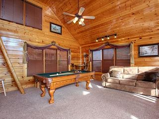 Pigeon Forge cabin photo - Pool table and sleeper sofa