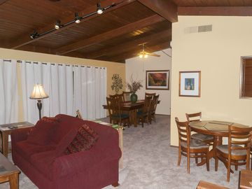 Three Rivers house rental - Great Room and Dining Room with Mission Oak Table - Seating for 12. New Carpet