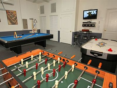 Fun Zone!! Foosball, Pool & Air Hockey,Cable TV, Nintendo Wii, PS2