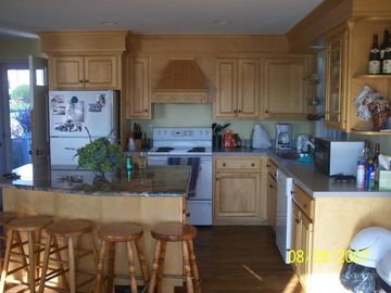 Beautiful gourmet kitchen and granite island