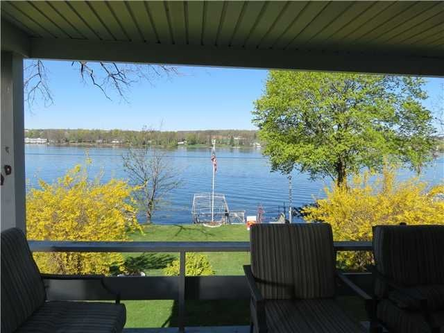 Your Piece Of The Lake - Cozy Lake Front Cottage, Beautiful Views