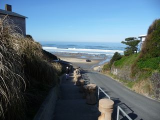 Lincoln City condo photo - Convenient Beach Access Within A Few Moments Walk