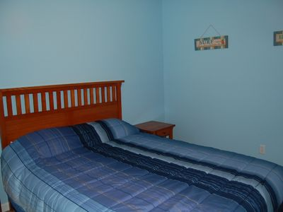 Bedroom 3, queen bed