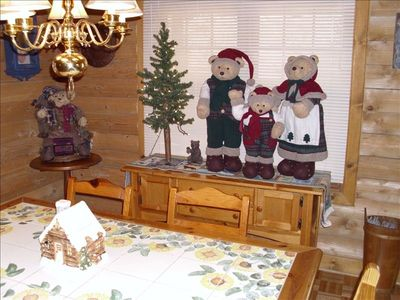 Holiday Bear Family Decorations - Dining Room