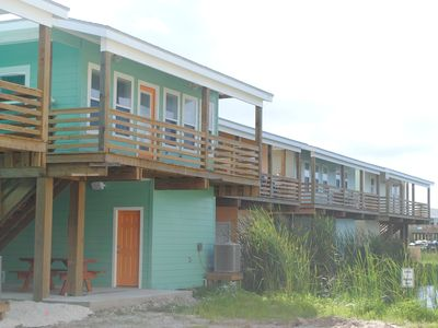 Brand New 4/3 in Port Aransas, sleeps10, boat parking, swimming pool.