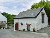 THE BARN, pet friendly, with a garden in Berrynarbor, Ref 17733