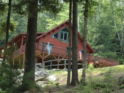 Contemporary Log Cabin in White Mts! Minutes to skiing& Xcntry Waterville Valley