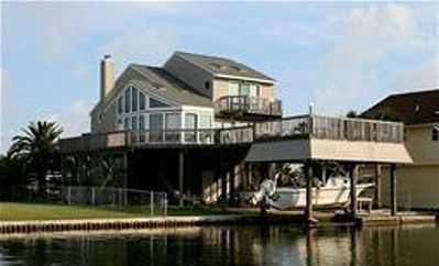 Beautiful canal home with upper and lower decks to take in the ocean breeze
