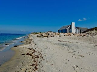 Vineyard Haven cottage photo - The Sandy Shores Of Vineyard Sound