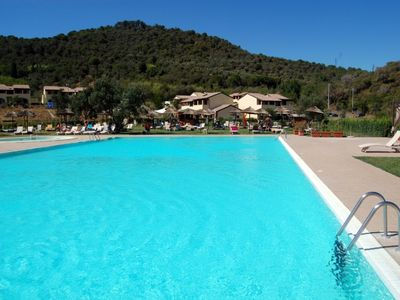 Residence in Maremma with swimming pool and restaurant, 15 km from the coast