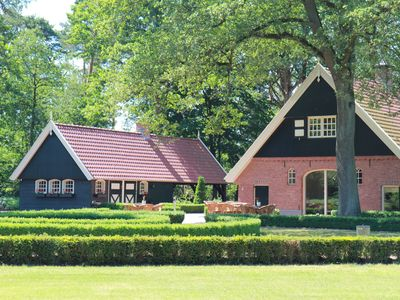 Mansion with ensuite bathrooms, 10,000m2 garden and heated terrace, Het Hulsbeek