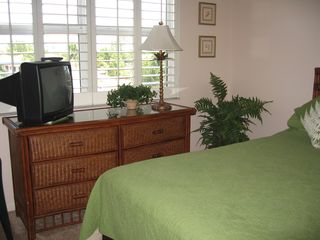 Fort Myers Beach condo photo - Second bedroom with TV