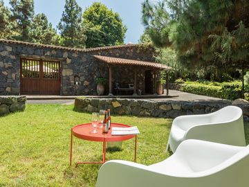 House in farm, with pool, barbecue, wifi and Netflix
