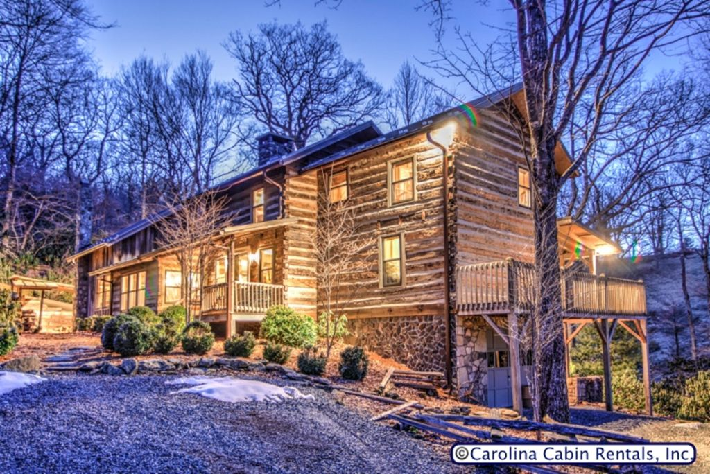 Expansive 5br 4ba cabin on private wooded vrbo for Boone cabin rentals nc