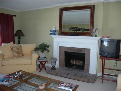 Seabrook Island villa rental - Living Room with TV