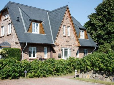 Dreamlike, exclusive apartment for 2 persons in a cottage Sönshörn
