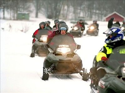 AWESOME SNOWMOBILING TRAILS & GUIDED TOURS NEARBY (MONTE CRISTO COMPLEX)