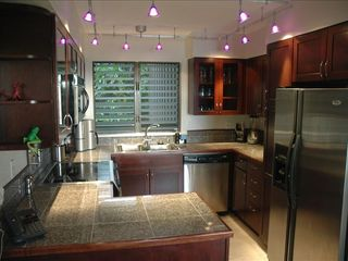 Kapaa condo photo - Full kitchen