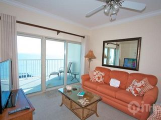 Gulf Shores condo photo - Living area with sofa sleeper