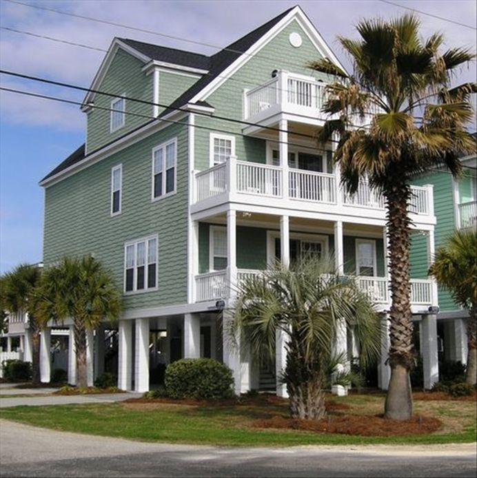 Beautiful 6 bedroom 3 story raised beach vrbo for Raised beach house