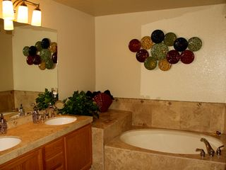 Kierland Scottsdale condo photo - Master Bathroom, sunken in tub, separate walk in shower, dual sinks