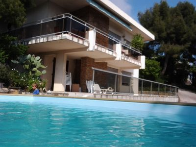140m² villa with pool for 8 persons, overlooking the harbor of Toulon